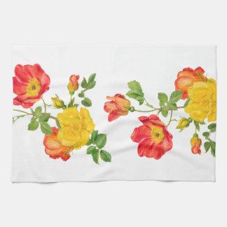 Rosas rojos amarillos toalla de cocina