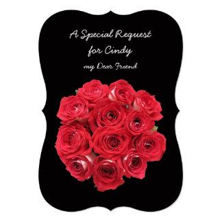"""Rosas rojos de la dama de honor en negro invitación 5"""" x 7"""""""