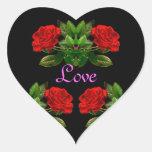 Rosas rojos en diseño abstracto floral del calcomania corazon