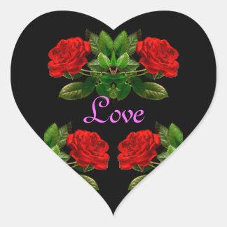 Rosas rojos en diseño abstracto floral del pegatina en forma de corazón