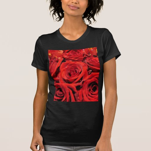Rosas rojos hermosos camisetas