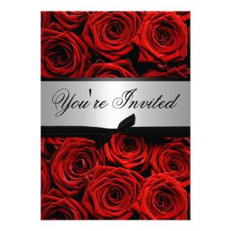 Rosas rojos que casan invitaciones de encargo invitación