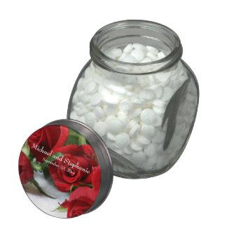 Rosas rojos románticos jarrones cristal