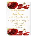 Rosas rojos y anillo de bodas invitación personalizada