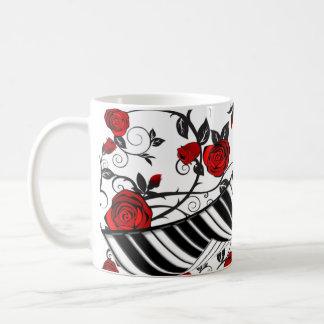 ¡Rosas rojos y llaves del piano, cogida del ojo! Tazas De Café