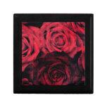 Rosas rojos y negros del lunar caja de regalo