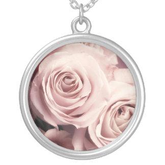 Rosas rosados colgante redondo