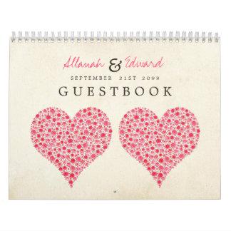 Rosas rosados del corazón que casan el libro de la calendarios de pared