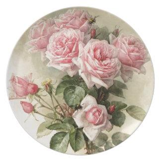 Rosas rosados elegantes lamentables del Victorian Plato