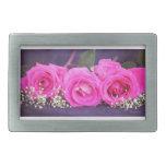 Rosas rosados en el negro II Hebillas De Cinturon Rectangulares
