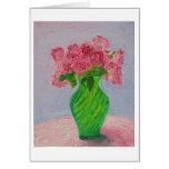 Rosas rosados en florero verde tarjeta de felicitación