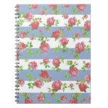 Rosas rosados femeninos elegantes en raya azul y b libros de apuntes con espiral