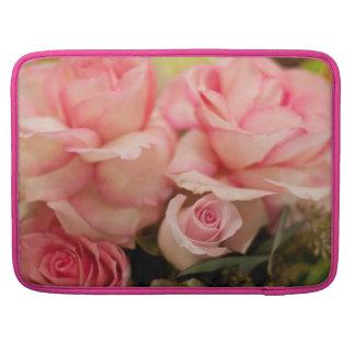Rosas rosados funda macbook pro