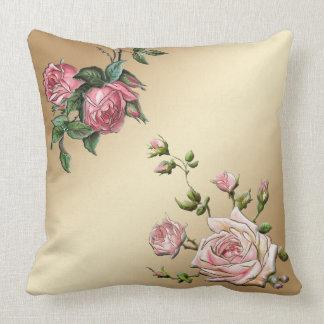 Rosas rosados grabados en relieve elegantes en cojines