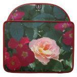 Rosas rosados rojos coralinos 1 funda macbook pro