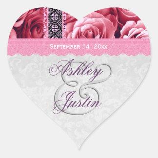Rosas rosados románticos y boda del cordón pegatina en forma de corazón