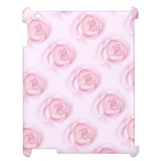 Rosas rosados suaves en el caso brillante listo de