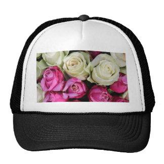 Rosas rosados y blancos por Therosegarden Gorros Bordados