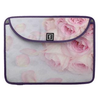 Rosas rosados y puntos grises fundas macbook pro