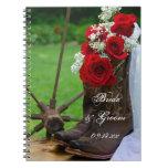 Rosas rústicos y boda del país de las botas de libro de apuntes con espiral