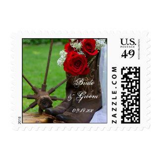 Rosas rústicos y boda del país de las botas de timbre postal