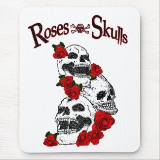 Rosas y cojín de ratón de los cráneos alfombrilla de ratón