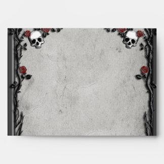 Rosas y cráneos góticos sobres