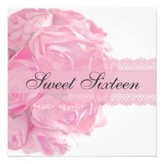 Rosas y fiesta de cumpleaños rosados del dulce die anuncio personalizado