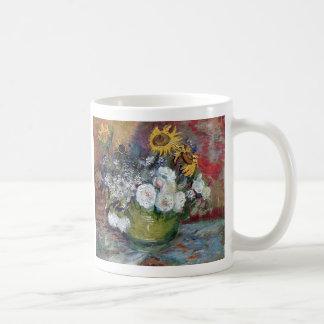 Rosas y girasoles de Van Gogh Taza Clásica