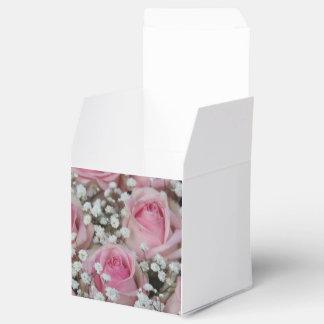 rosas y gypsophila rosados por Therosegarden Cajas Para Detalles De Boda