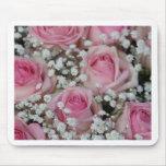 rosas y gypsophila rosados por Therosegarden Alfombrilla De Ratón