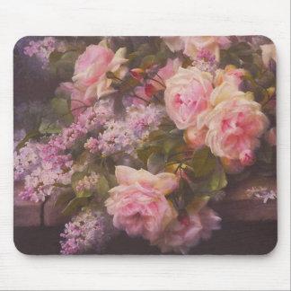 Rosas y lilas del Victorian Alfombrilla De Ratón