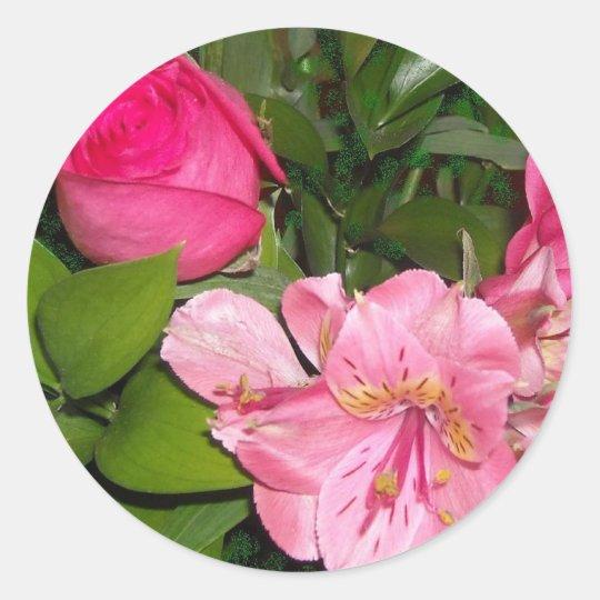 Rosas y orquídeas pegatina redonda