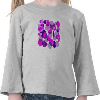 Rosas y púrpuras camiseta
