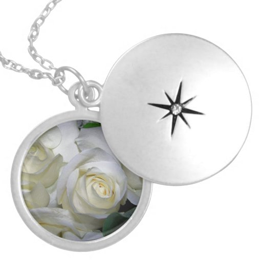 Rose of love_ round locket necklace