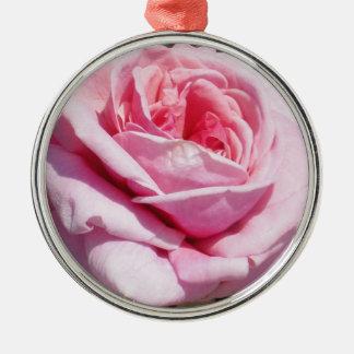rose ornaments