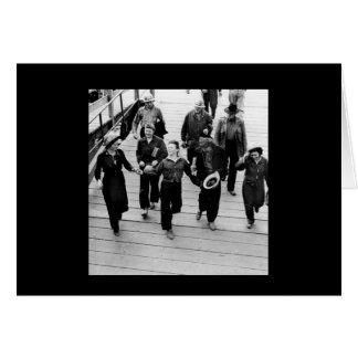 Rosie los remachadores en el paseo marítimo tarjeta de felicitación