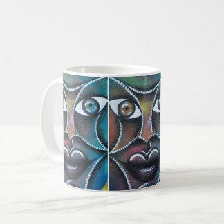 Rostro sobre colorido fondo abstracto coffee mug