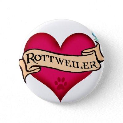 tatuaje maduro. la raza tatuajes. Corazón del tatuaje de Rottweiler Botón de Zazzle.