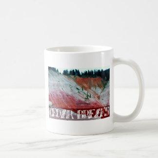 Roturas del cedro taza de café