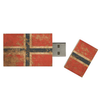 Rough Aged Vintage Norwegian Flag Wood USB Flash Drive
