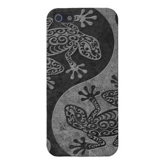 Rough Dark Stone Yin Yang Geckos iPhone SE/5/5s Cover