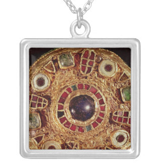 Round brooch square pendant necklace