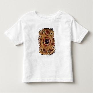 Round brooch tee shirt