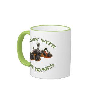 Rovin con la taza de Homies