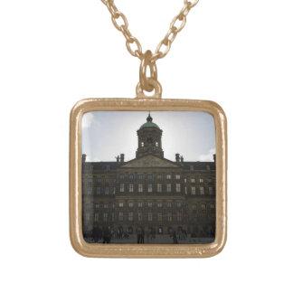 Royal Palace de Amsterdam Collar Dorado