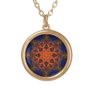 Royal Star Round Pendant Necklace