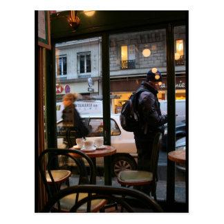 Ruda parisiense Rambuteau de la atmósfera cerca de Tarjetas Postales