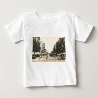 Rue de l' Admiral Courbet, Saint Nazaire, France Tshirt