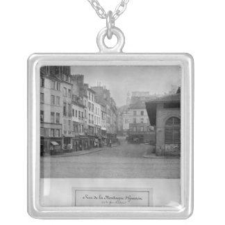 Rue de la Montagne Sainte-Genevieve, París Collar Plateado